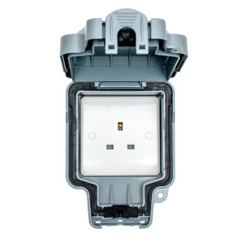 1 Gang Unswitched Socket